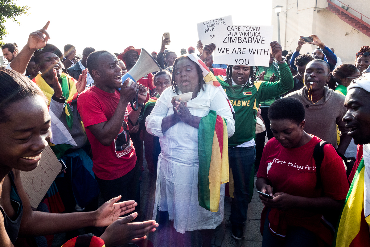 Zimbabweans use social media to rally up support for march, 18 November 2017